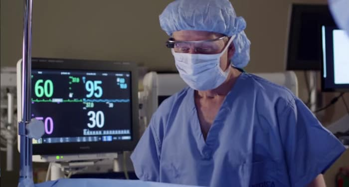 Google Glass and anesthesia: see patient vitals in the OR | Philips | Philips