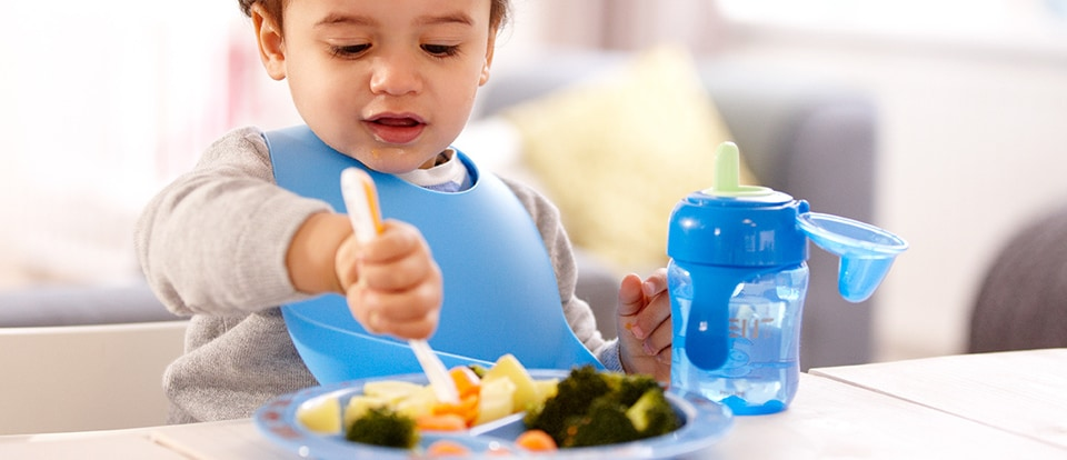How To Encourage Your Baby To Eat Finger Foods
