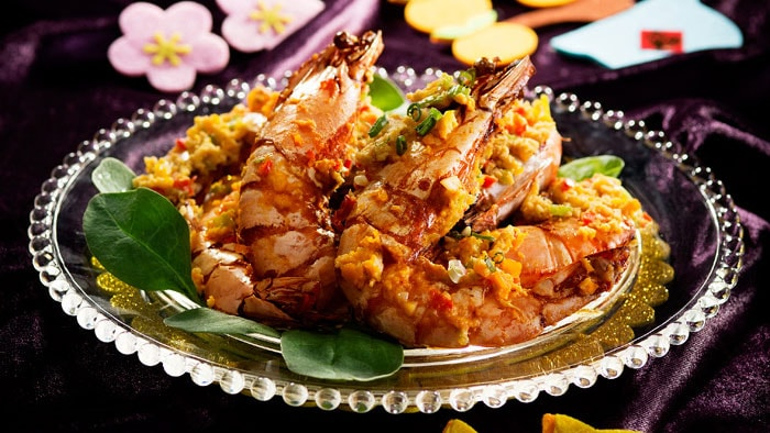 Fried King Prawns with Salty Egg Yolk