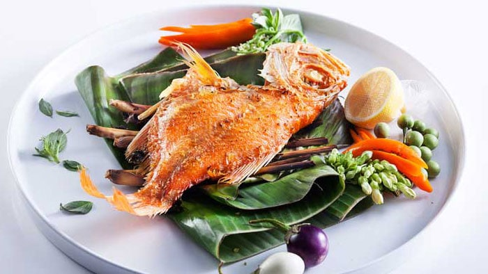 Thai Fried Red Snapper with Lemongrass