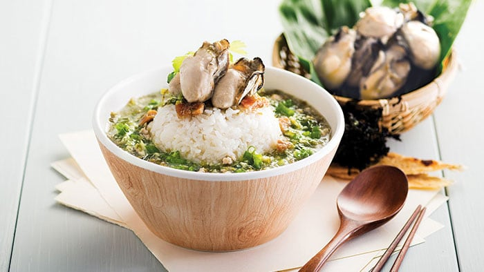 Oyster Rice Soup with Minced Pork and Dried Flatfish