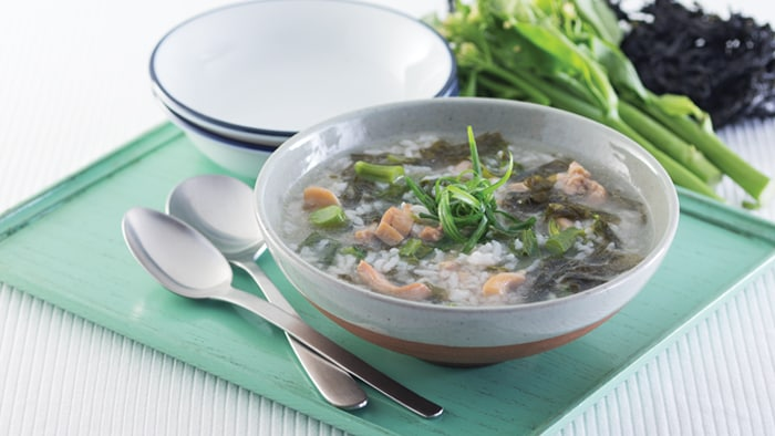 Seaweed Chicken Rice Soup