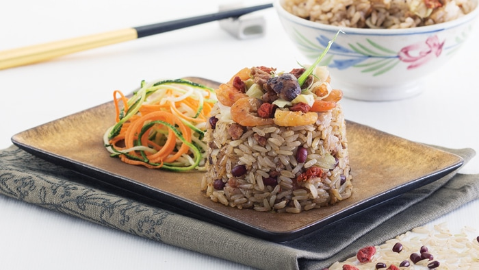 Vegetable Brown Rice with Minced Beef and Red Bean