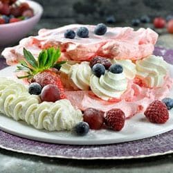 Red berry Pavlova